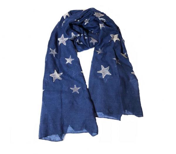 Schal mit Sternen
