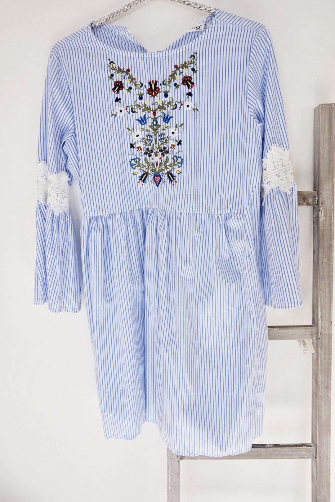 blue dress crochet and flower front